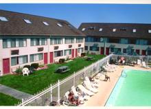 Cape Cod Motels - Admiralty Inn and Suites