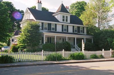 Cape Cod B&B - Village Green Inn