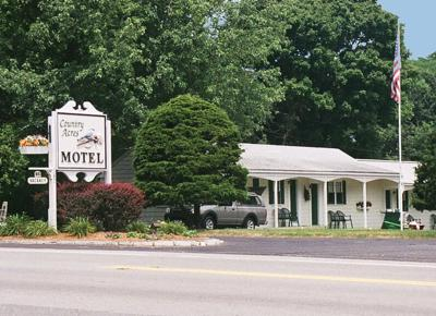Cape Cod Motels - Country Acres Motel
