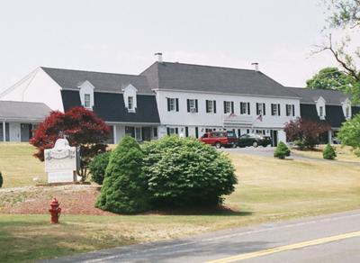 Cape Cod Motels - Sandwich Motor Lodge