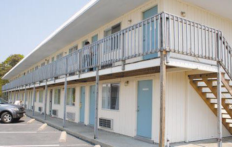 Cape Cod Motels - Castle Dawn Motel
