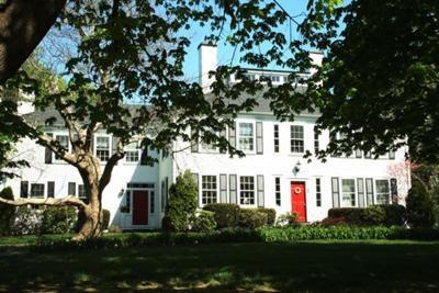 Cape Cod B&B - Josiah Sampson House